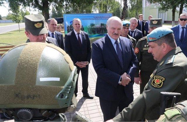 Лукашенко навестил подразделение отечественного спецназа