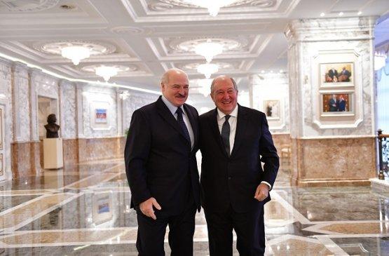 Армен Саркисян поздравил Александра Лукашенко с Днём независимости