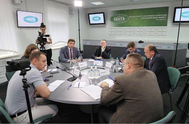 Беларусь нельзя делить на своих и чужих