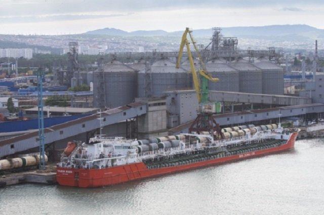Экспорт туркменских нефтепродуктов в Грузию вырос в 2 раза