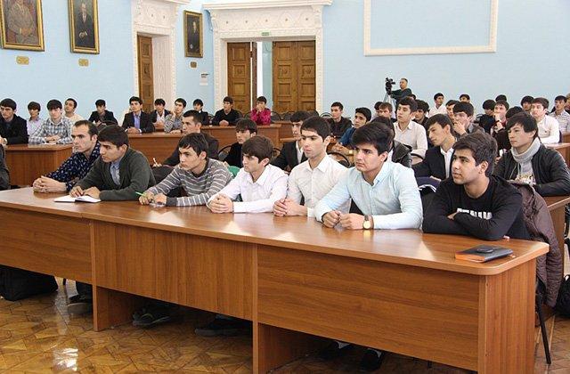 Кудряц назвал причины негативного отчёта об образовании в Таджикистане