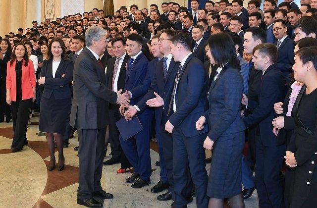 Токаев поручил пополнить президентский кадровый резерв