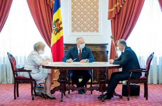 Власти Молдовы намерены обратиться во Всемирный банк за экстренным кредитом для фермеров