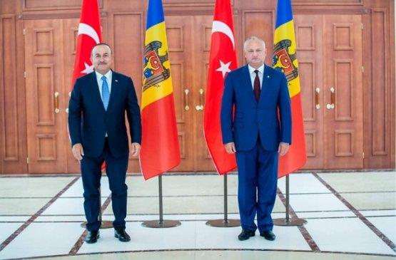 Глава МИД Турции посетил Молдову с официальным визитом