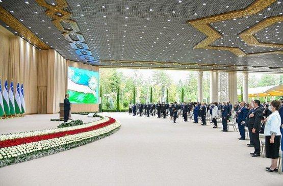 Мирзиёев поздравил народ с Днём независимости Узбекистана