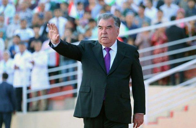 Президент Таджикистана представил свою предвыборную программу