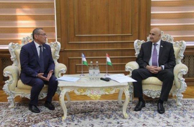 Делегация парламента Узбекистана посетила Душанбе