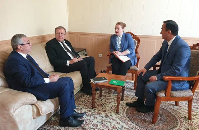 Наблюдатели от МПА СНГ встретились с кандидатами в лидеры Таджикистана