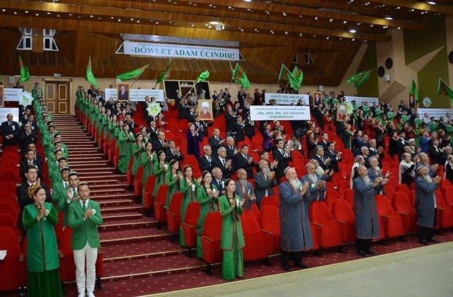 В Туркменистане в онлайн-режиме прошло заседание Халк Маслахаты
