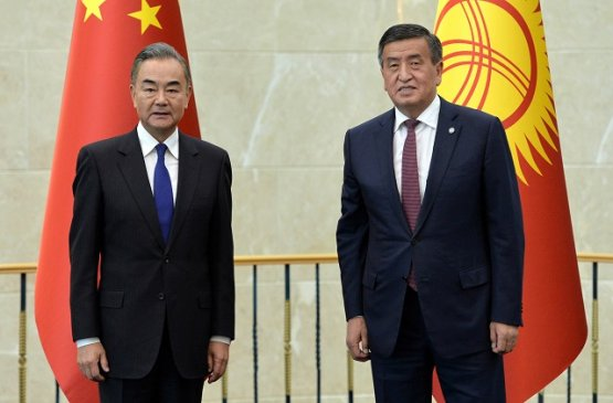 Президент Киргизии обсудил с министром Китая дальнейшее развитие экономического сотрудничества