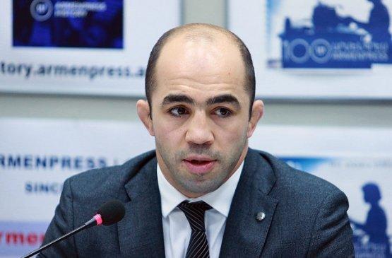 Арсен Джулфалакян вызвал главу минобразования Армении на дебаты