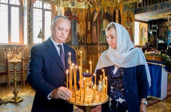 Президент и первая леди Молдовы посетили старейший монастырь республики