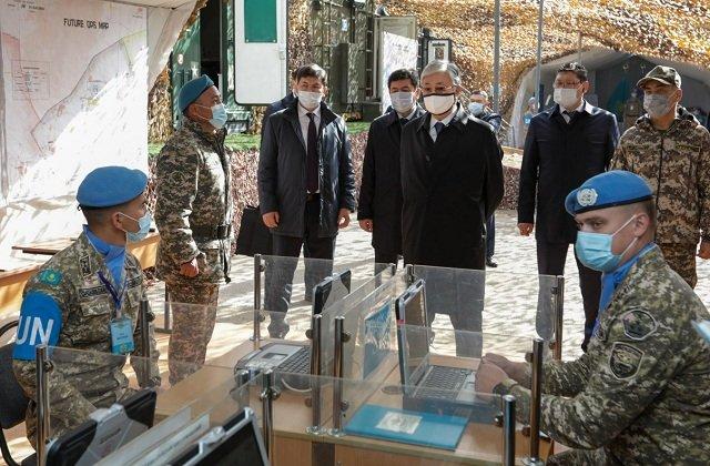 Президент Казахстана поучаствовал в миротворческих учениях