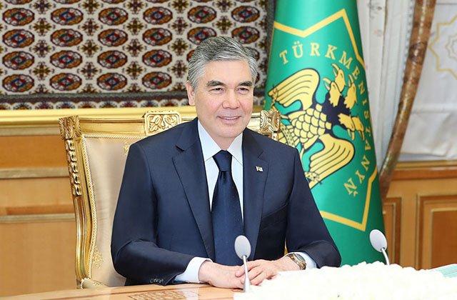 Президент Туркменистана поручил чиновникам решить все вопросы до конца года