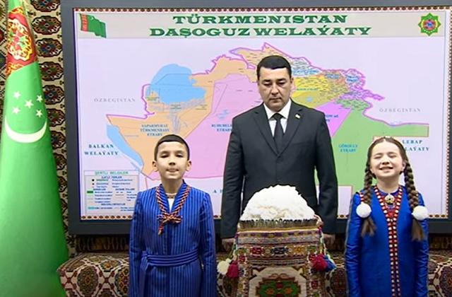 Туркменские хлопкоробы сдали государству свыше 1 млн 250 тыс. тонн хлопка