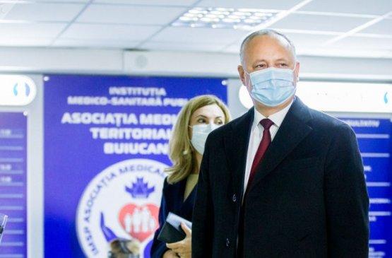 В первом туре президентских выборов в Молдове Игорь Додон занял второе место