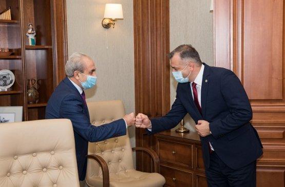 Состоялась встреча главы правительства Молдовы с послом Армении