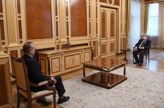 Посол Италии в Армении провёл прощальные встречи с руководством страны