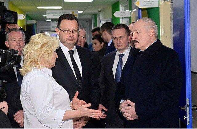Президент Белоруссии посетил центральную больницу Столбцовского района