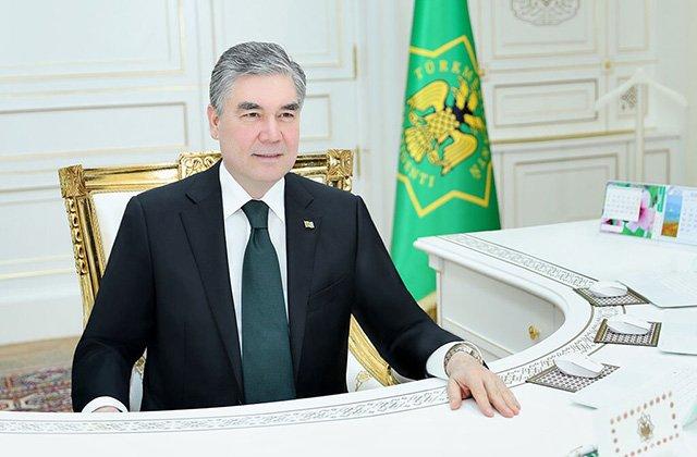 Бердымухамедов поручил провести электронные торги коврами