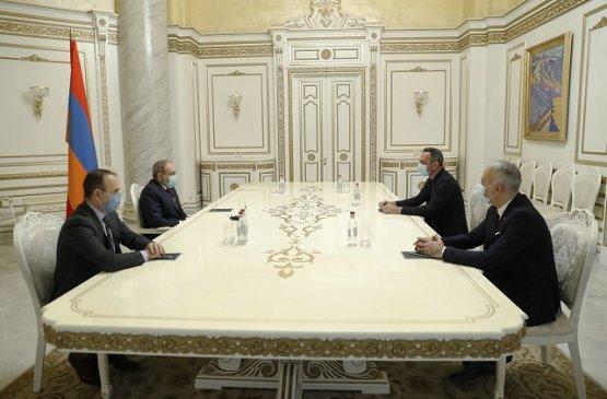 Глава правительства Армении провёл встречу с братьями Джоркаеффами