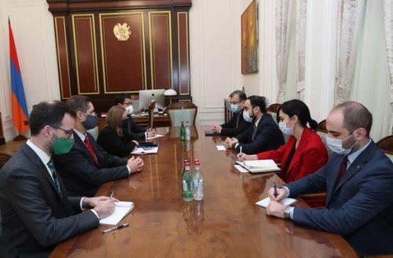 Состоялась встреча вице-премьера Армении с послом США