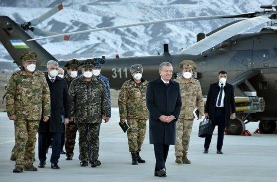 Шавкат Мирзиёев посетил учения на полигоне Фориш
