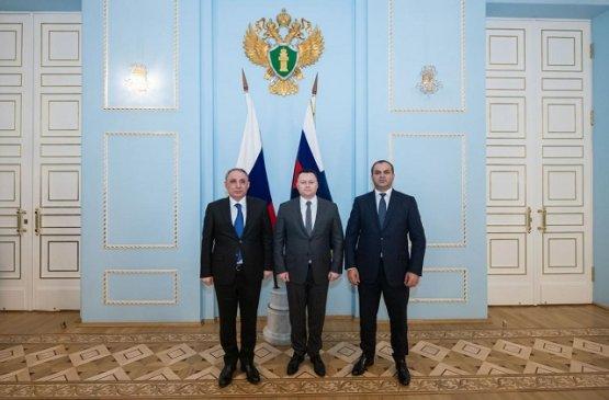 Генеральные прокуроры Армении, Азербайджана и России провели встречу в Москве