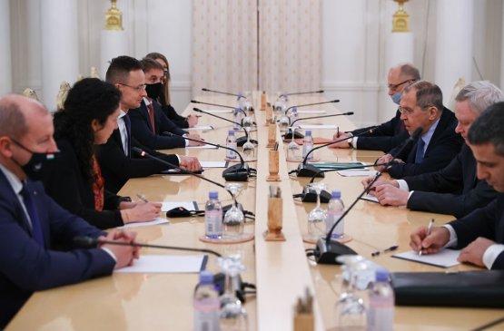 Прошла встреча министров иностранных дел России и Венгрии