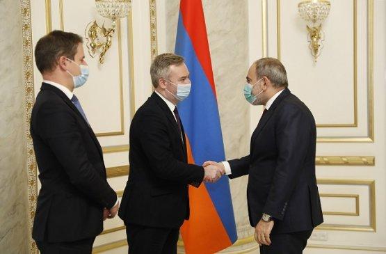 Премьер Армении и госсекретарь Франции обсудили вопросы экономического партнёрства