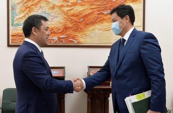 Президент и глава нового правительства Киргизии обсудили восстановление экономики