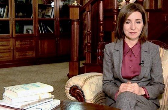 Президент Молдовы предложила детям присылать ей письма о любимых книгах и авторах