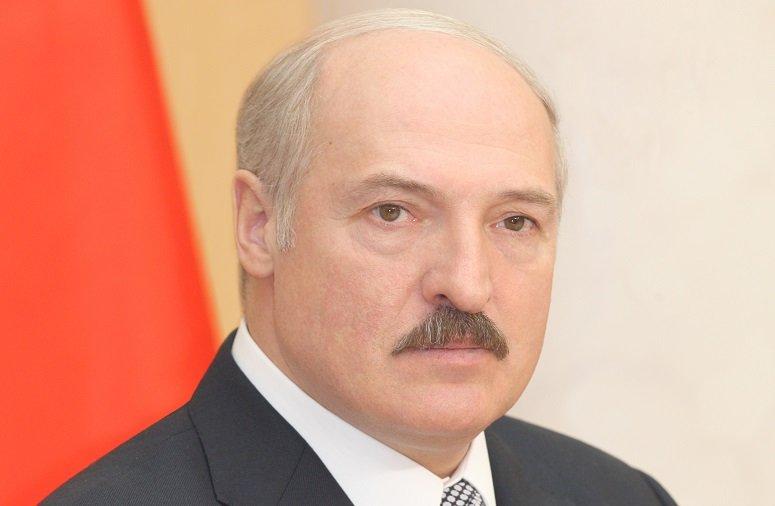 Лукашенко внес изменения в правовые нормы использования боевого оружия