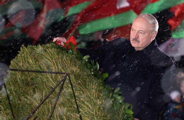 Лукашенко: Пока мы приходим к святыням Беларуси, мы – люди!