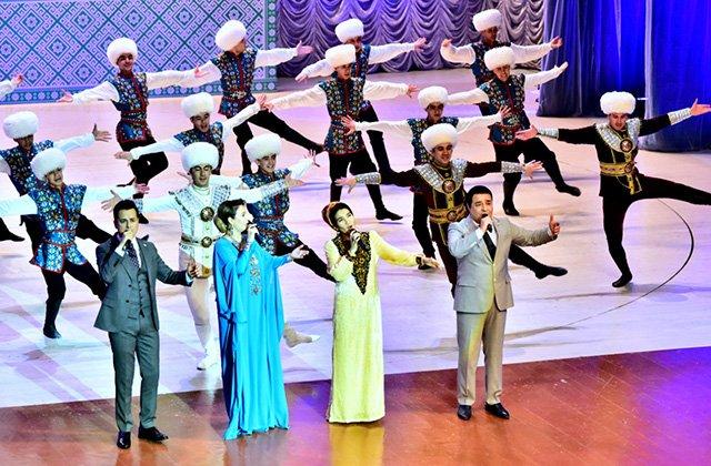 В Ашхабаде состоялась премьера песни на стихи президента Туркменистана