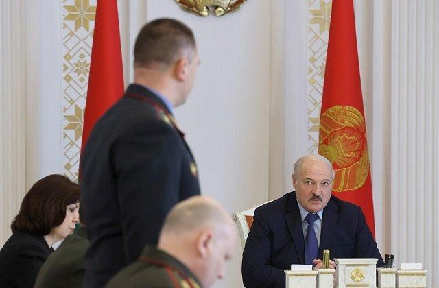 Президент Белоруссии обсудил с силовым блоком беспокойную ситуацию в стране