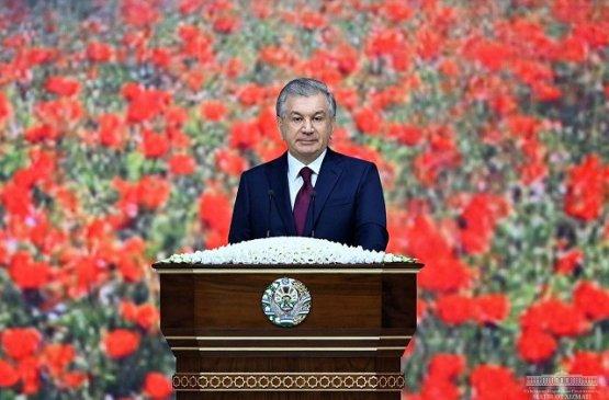 Мирзиёев принял участие в торжественном мероприятии по случаю Навруза