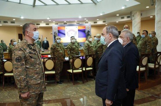 Глава правительства Армении представил нового начальника Генштаба Вооружённых Сил