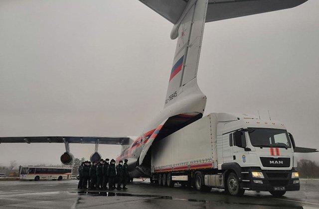 В Ашхабад прибыла гуманитарная помощь из России