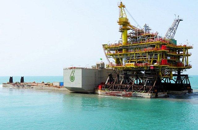 PETRONAS спустила на воду в Туркменистане нефтедобывающую платформу