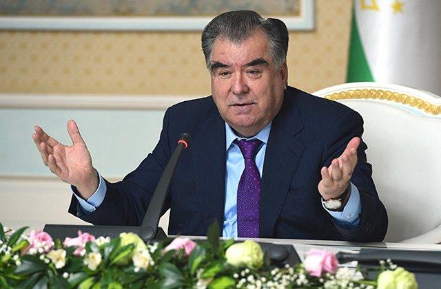 Президент Таджикистана восхитился талантом певицы Манижи