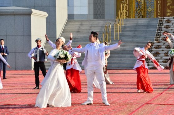 Президент принял участие в открытии двух крупных объектов – Конгресс-центра и Центра приёмов
