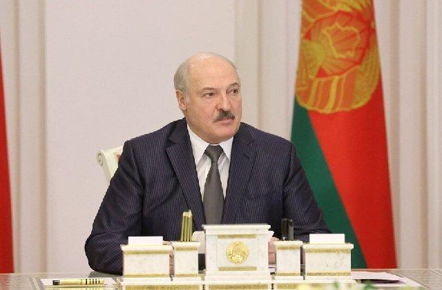 В Белоруссии статус госслужащего будет высоко поднят
