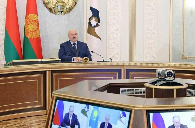 Лукашенко призвал защищать интересы ЕАЭС и реагировать на давление Запада