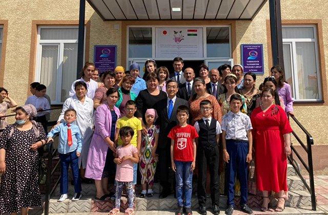 В Худжанде открылся центр соцуслуг для детей-инвалидов