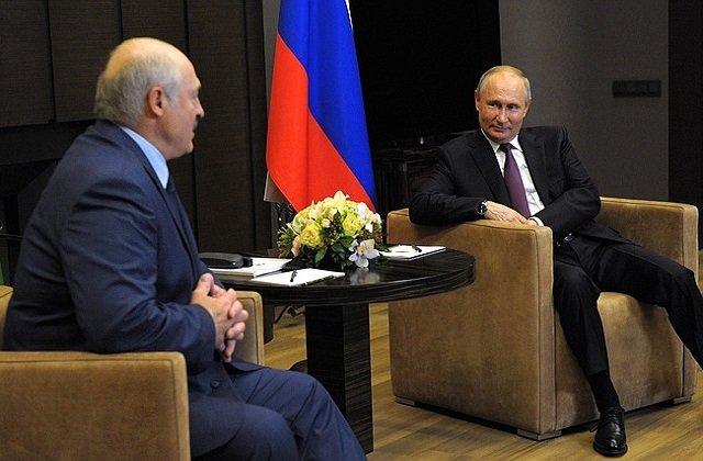 В ходе сочинского раута Лукашенко и Путин обсудили «шумиху» вокруг рейса Ryanair