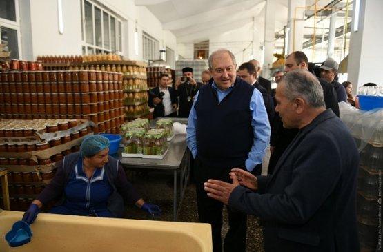 Президент Армении пожелал гражданам страны верить в свои возможности