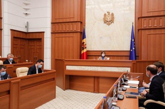 Президент призвала решить проблемы по подключению электросетей Молдовы и Румынии