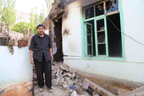 Эмомали Рахмон потребовал полностью восстановить разрушенные дома