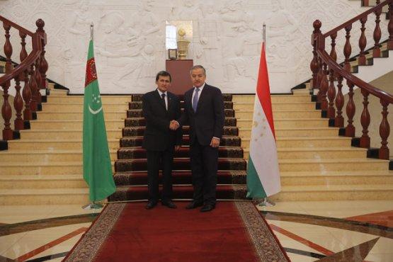 Мухриддин побеседовал с главой МИД Туркменистана